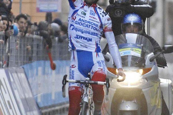 Foto: Pier Maulini/IPPCiclismo; Tirreeno-Adriatico 20104¡ tappa, 13/03/2010, San Gemini - ChietiMichele Scarponi vince la tappa e conquista la maglia di leader della classifica generale