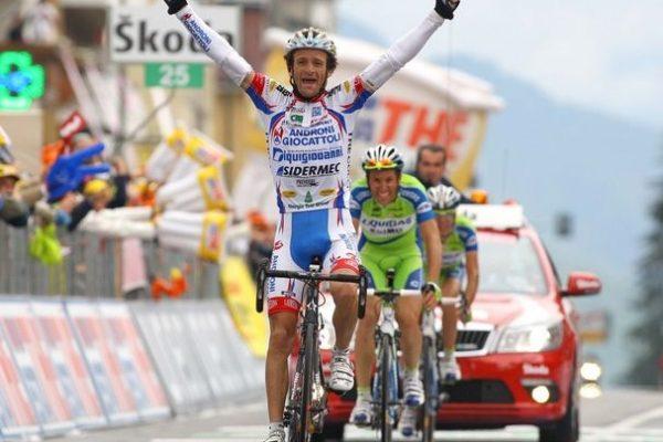 Foto: Pier Maulini 28.05.2010   - Giro d'Italia - 19. tappa Brescia - Aprica  Michele Scarponi vine la tappa battendo in volata i compagni di fuga Basso e Nibali