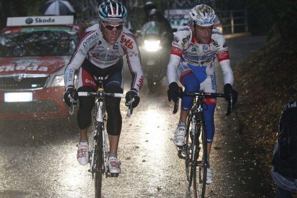 Foto IPP/Pier Maulini Ciclismo  Giro di Lombardia 16/10/2010 nella foto Michele Scarponi con Philippe Gilbert sul San Fermo Italy Photo Press - World Copyright